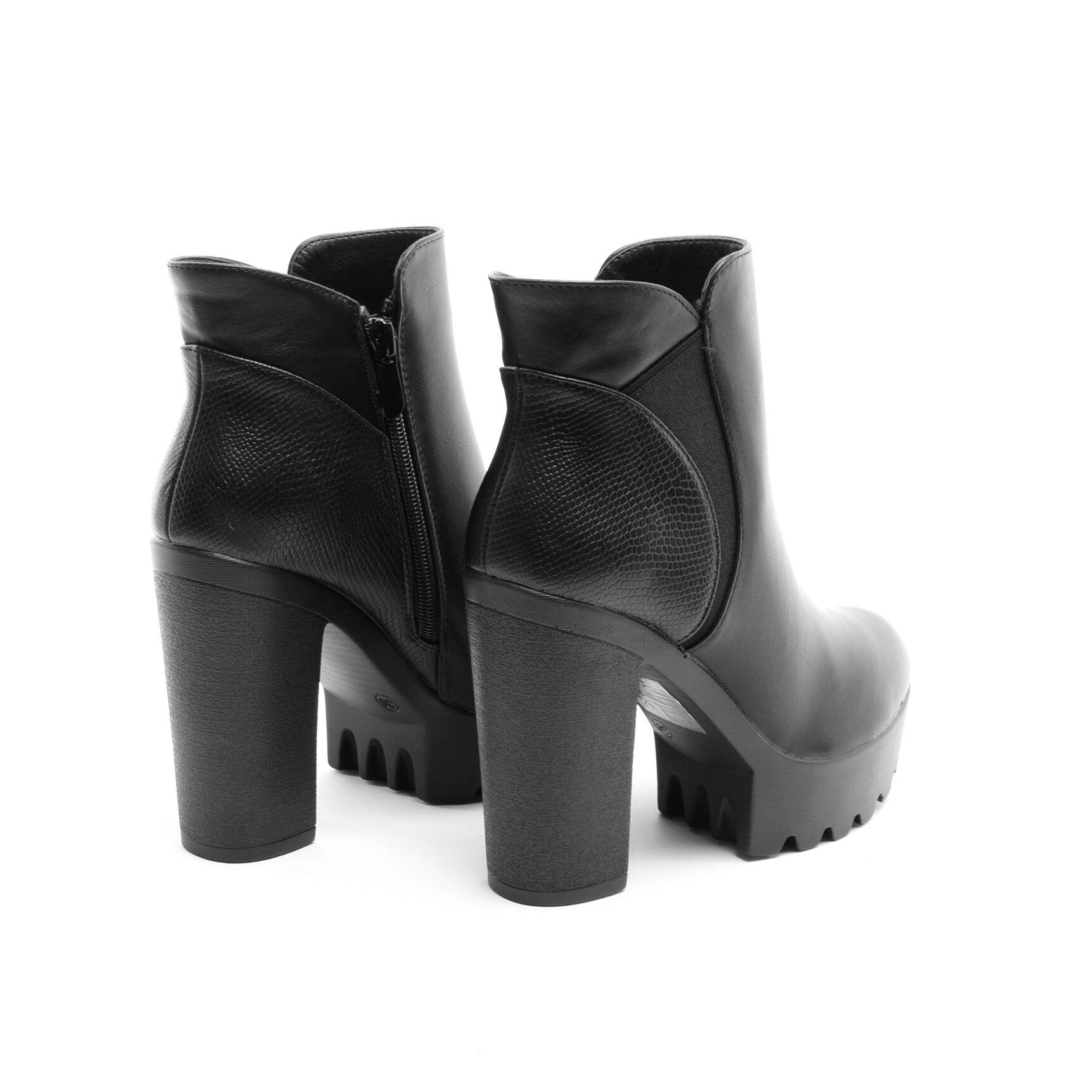 Fekete Magassarkú Platformos Bokacsizma - BOKACSIZMÁK - Női cipő ... 39590996d1